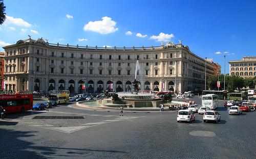 Piazza della Repubblica 2 | by Averain