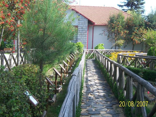 Sentiero di Villa Vittoria a Mongiana