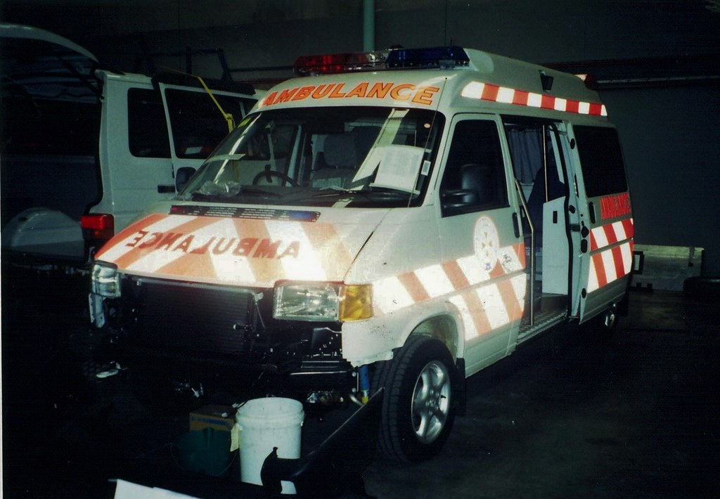 2002 Volkswagen T4 Transporter TDi ambulance