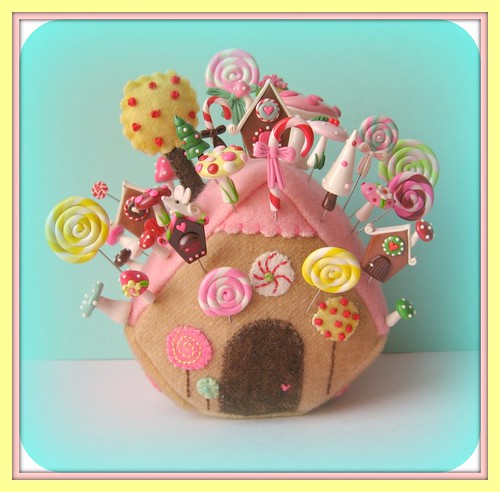 gingerbread house pincushion pin toppers original design | by Pinks & Needles (used to be Gigi & Big Red)