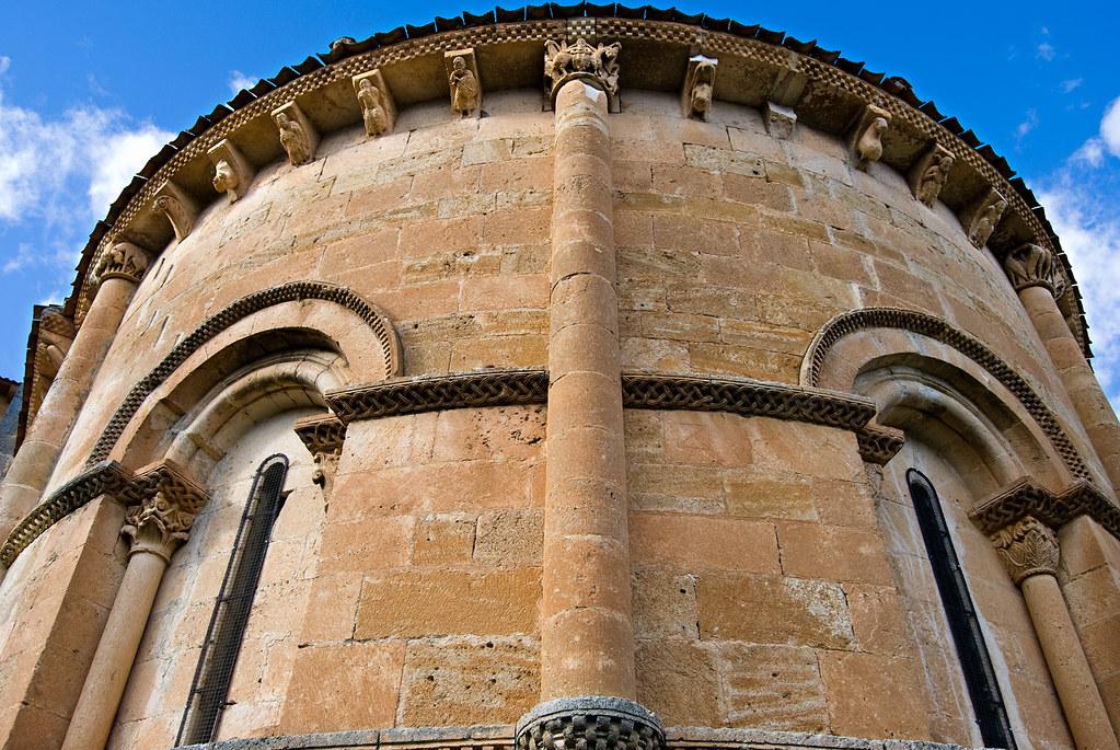 Iglesia de San Miguel, ábside semicircular (Fuentidueña)