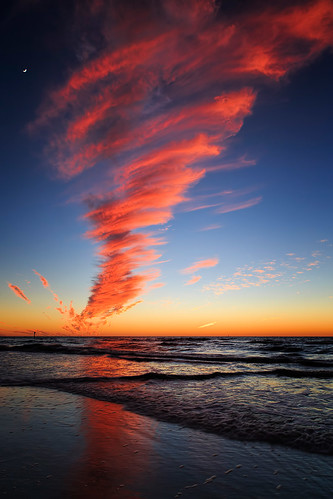 cloud moon beach unitedstates florida twister sunsetandsunrises absolutelystunningscapes