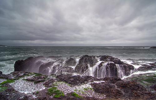 ocean oregon landscape rocks or shore spoutinghorn splash hdr depoebay