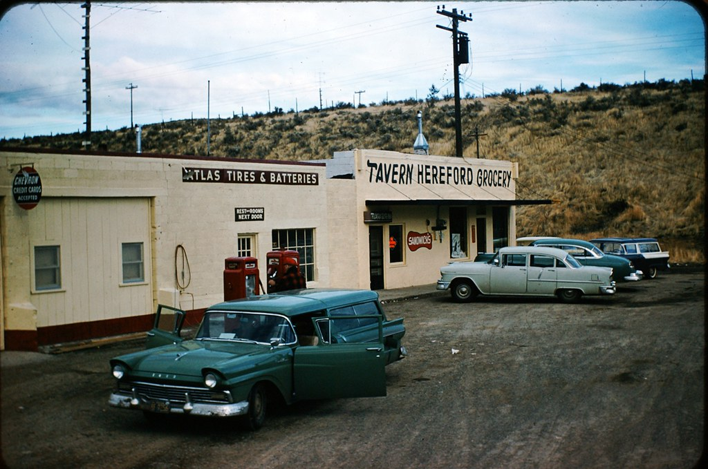 Tavern And Grocery >> Hereford Tavern Grocery Oregon 1950 S In The Midst Of