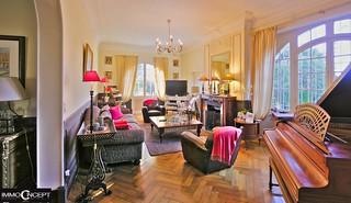 Living-room | by Jean Huillet