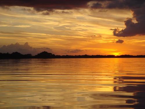 sunset lake clouds gold ripple mountdora