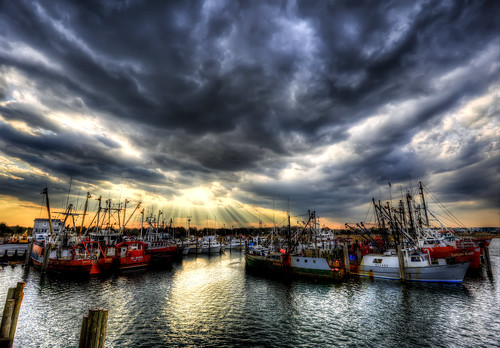 sunset boats fishing lbi sunrays hdr barnegatlight newjerseyshore