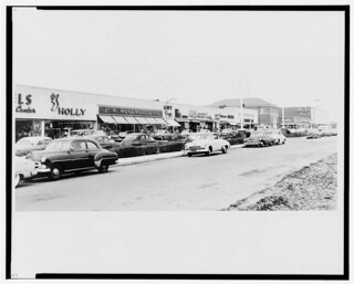 Levittown Center shopping center-1957 | gregchris66 | Flickr