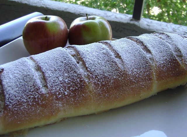 yeasted coffee cake with meringue and apple walnut filling