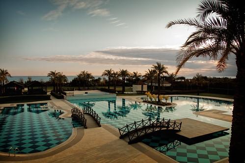 sea water pool turkey hotel nikon asia mediterranean dusk türkiye resort swimmingpool antalya nikkor vr 5star afs 尼康 fivestar kadriye thedome belek kempinski 18200mm 土耳其 亚洲 f3556g d40 ニコン 18200mmf3556g 安塔利亚