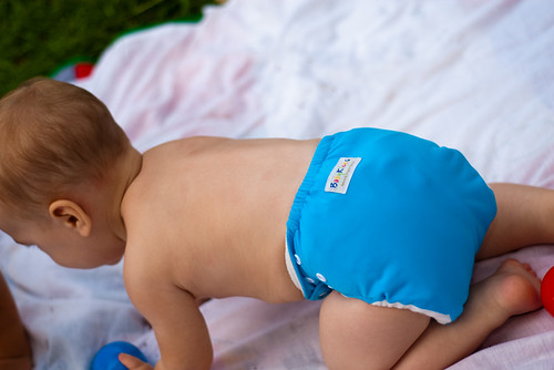 Baby's Choice: Reusable Cloth Diapers by @babykicks | by HOLSTEE