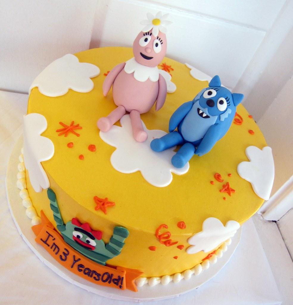 Fantastic Yo Gabba Gabba Birthday Cake Polkadots Olga Flickr Funny Birthday Cards Online Overcheapnameinfo