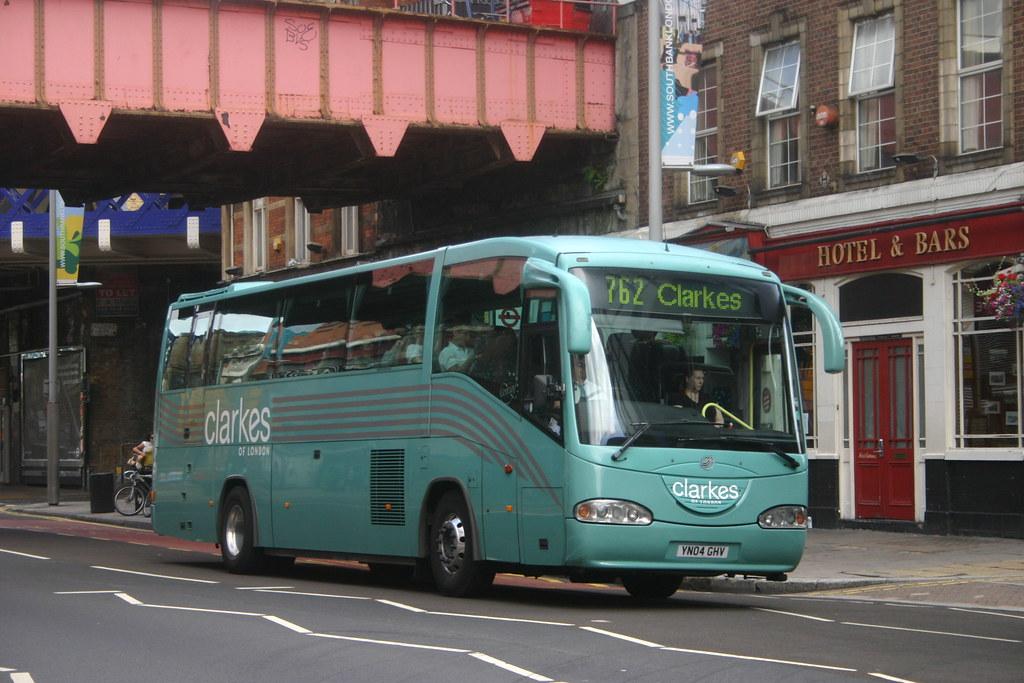YN04GHV Clarks of London