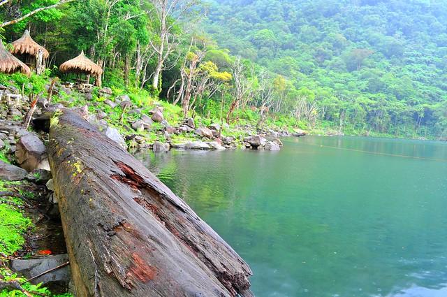 TWIN LAKE BALINSASAYAO