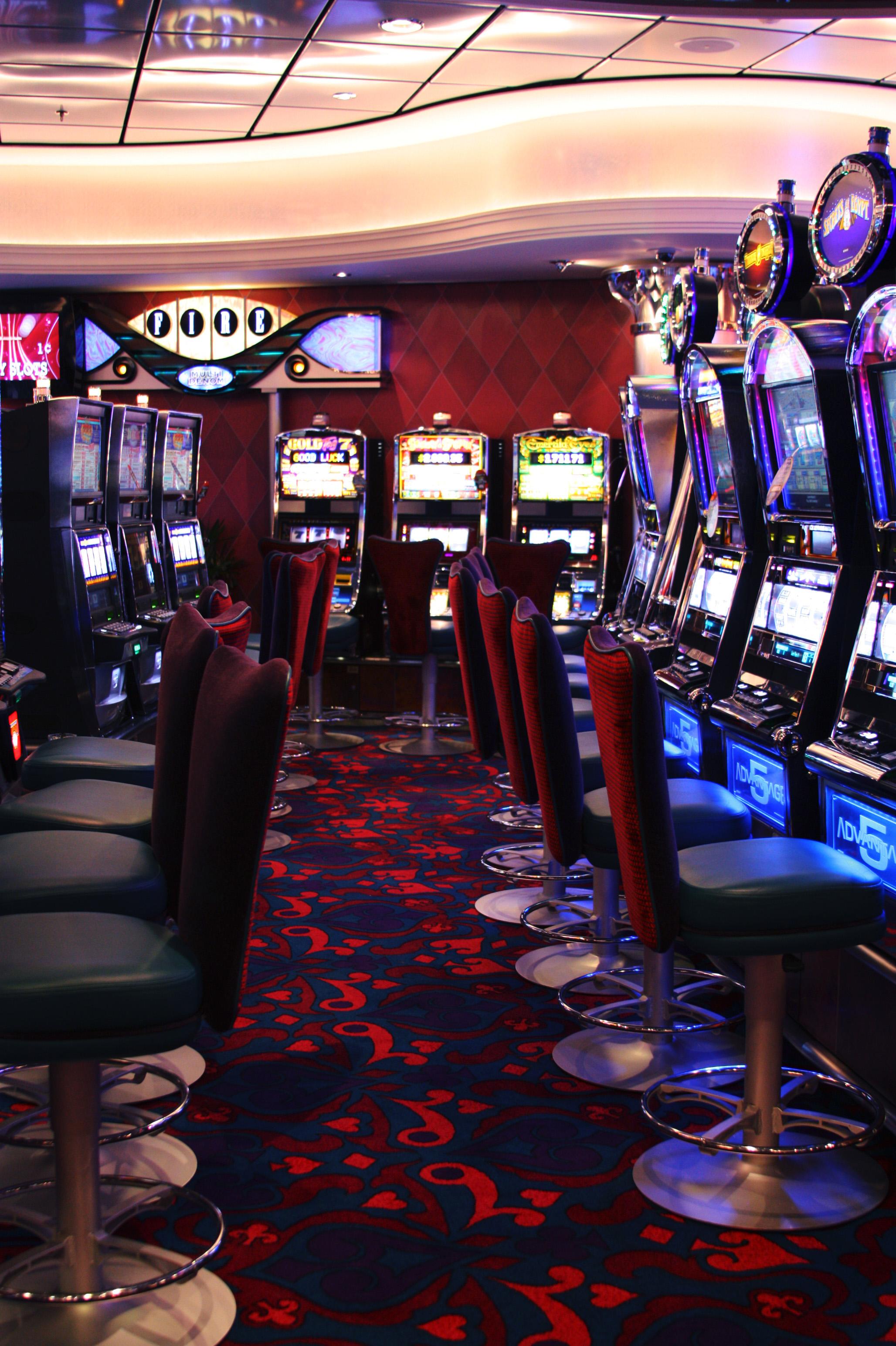 как снять деньги с казино 777