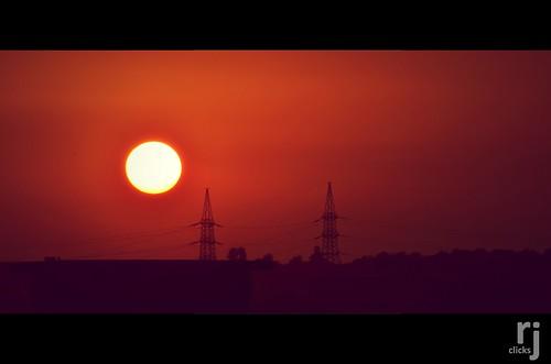 rehanjamil rjclicks nikond5100 nikon d5100 rehanjami sunset sunlight silhouette evening yellow golden orange pakistaniphotographer photographerindammam photographerinkhobar pakistani