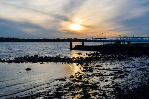 blue sunset eastriver newyork bronx shoreline waterfront nikond5300 sky