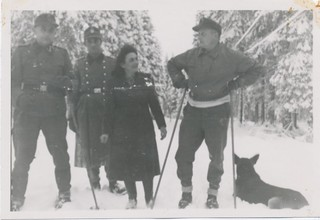 Tysk personell på skitur / German personnel out skiing
