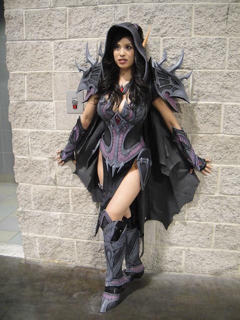 Wizard World Anaheim 2011 - female elf warrior (not sure of origin)