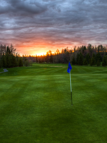 Sunset on the Golf Course - Quebec City | by haban hero