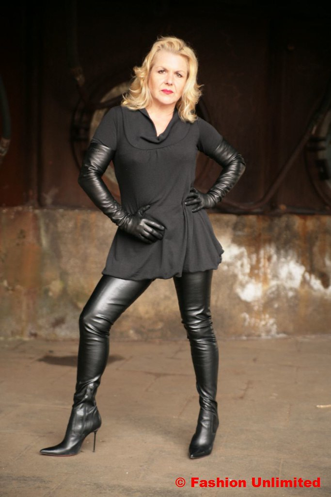 Crotch-Boots and Leather Gloves | Fashion Unlimited | Flickr
