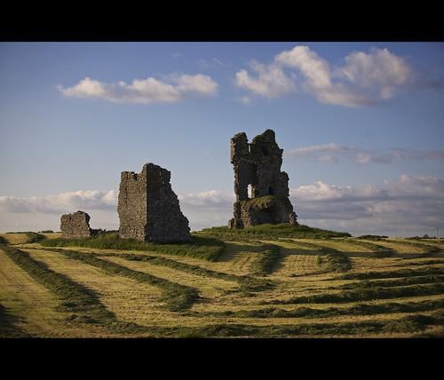 ireland irish castle galway clouds background ruin eire hay silage hibernia 70200 macdesktop connaught macosxdesktop haylage macintoshdesktop kiltullagh 5dmk2 canon5dmarkii gettyimagesireland summertimeireland
