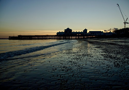 southsea portsmouth beach southparadepier sunset sony alpha a65 october 2016 clouds crane sea water pebbles