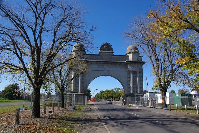Arch of Victory Ballarat 2011 pre restoration works 2709