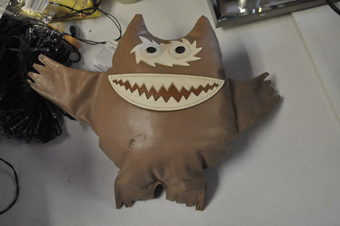 monster-brown_03-96
