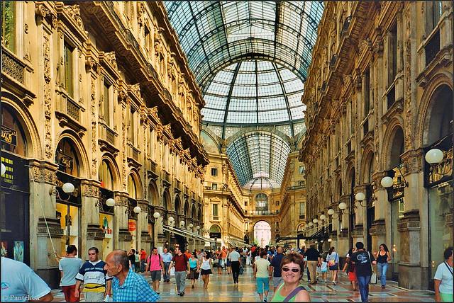 Milan : Galleria Vittorio Emanuele II  -  1/2