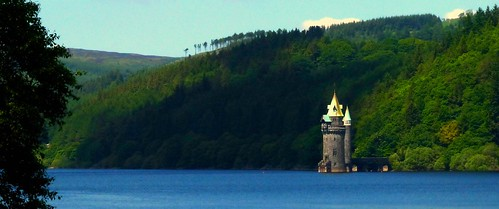 Castle in the Lake #dailyshoot #365 #Wales   by Leshaines123