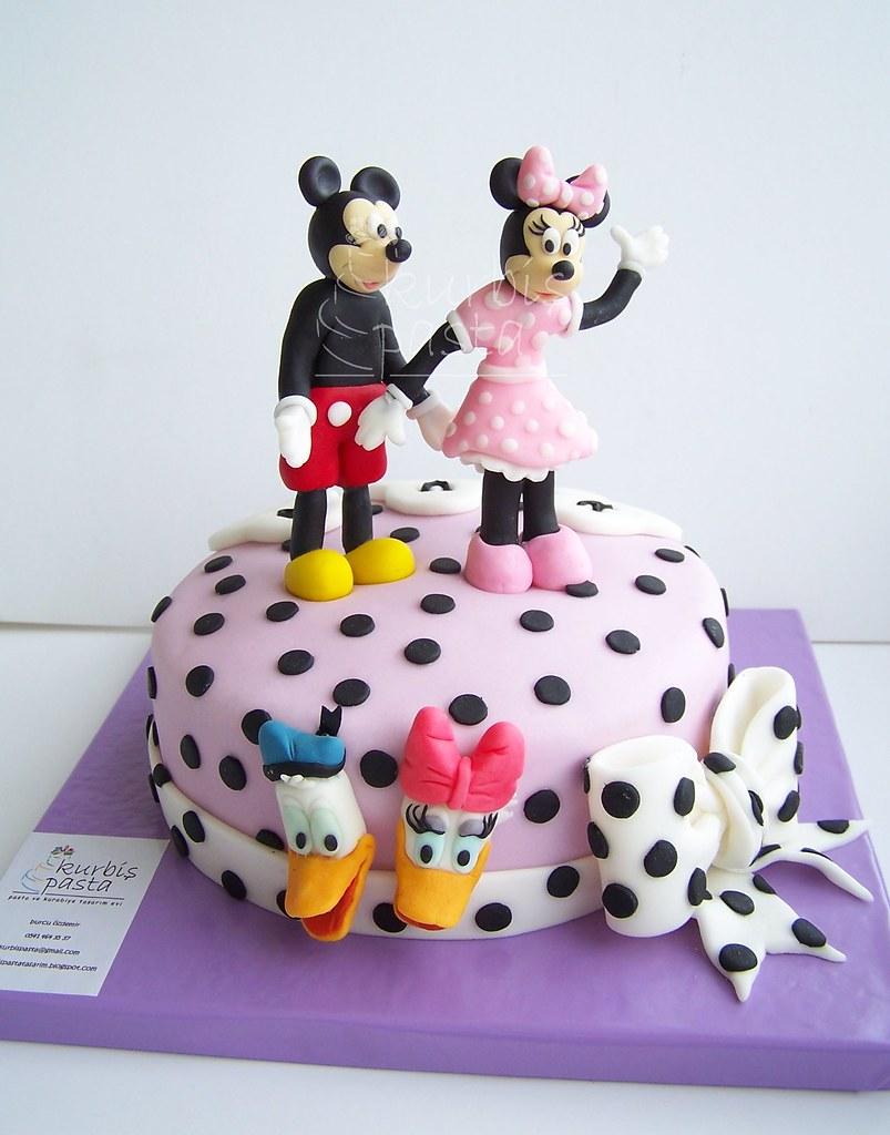 Minnie And Mickey Mouse With Donald And Daisy Cake Micke