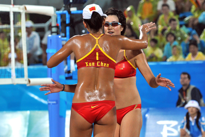sex-womens-beach-volleyball-bikini-pics-nylon
