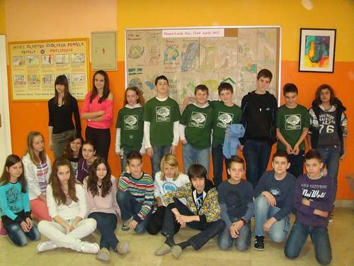 Primary school Ivan Goran Kovacic_Sl.Brod:Earth Day Groceries project team