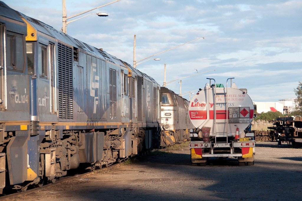 GL101 refuels - 25 April 2012 by John Cowper
