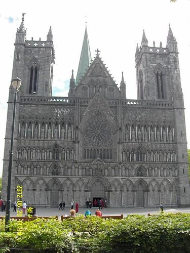 Trondheim Dom   by mopetenreiter