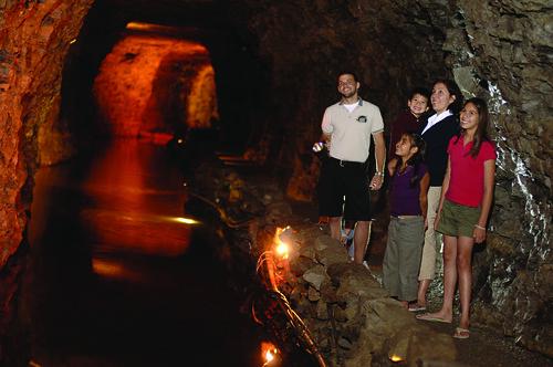underground boat niagara cave cavelockport