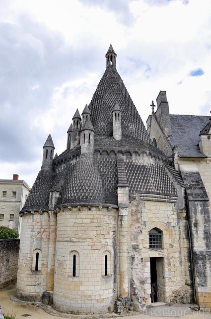 4/7 Cuisines ou fumoire Abbaye Royale Fontevraud Abbey UNESCO site FRANCE 2009 Read info Français English info