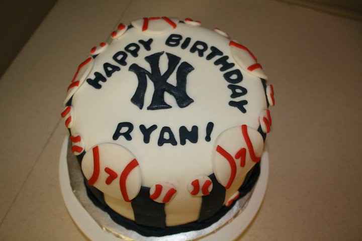 Sensational New York Yankees Cake To Date This Has Been My Most Reque Flickr Funny Birthday Cards Online Benoljebrpdamsfinfo