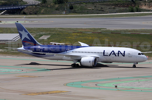 44. Boeing 787-8 Dreamliner (CC-BBE)