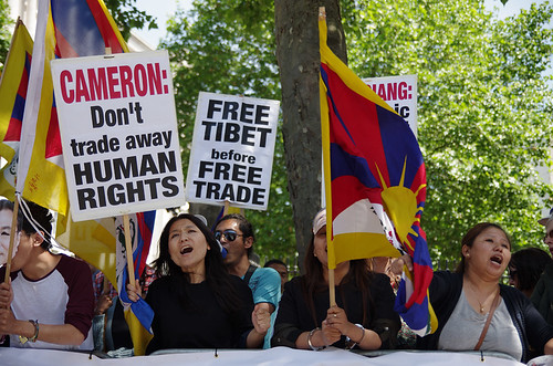 Tibet supporters protest in Whitehall, London | by The Weekly Bull