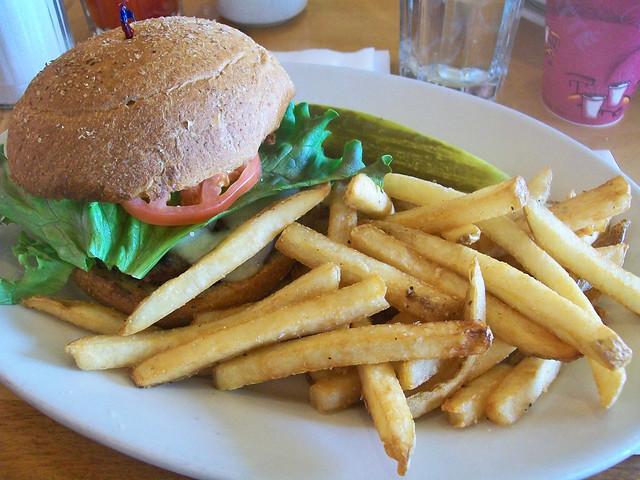 Julia's Cheeseburger