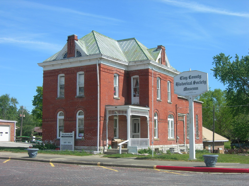 Old) Clay County Jail | Louisville, Illinois It served the