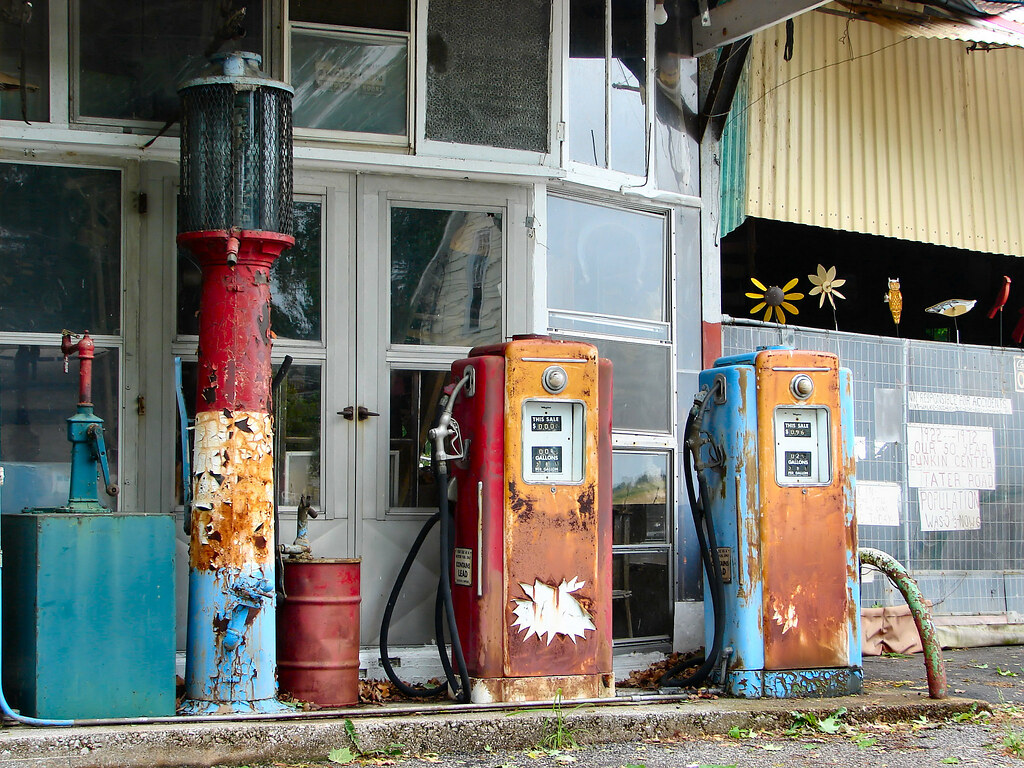 Antique Gas Pumps | Price is 38 cents per gallon  Located at