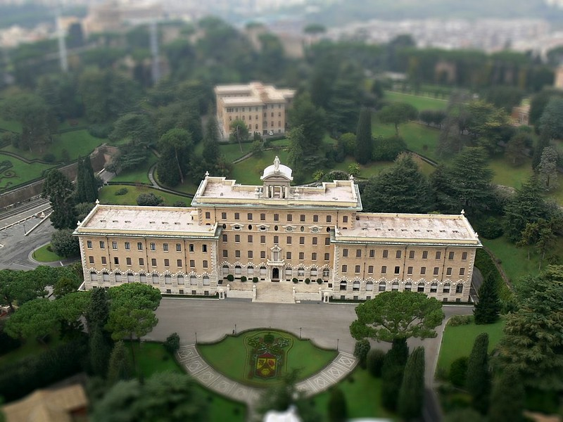 Doll <strike>house</strike> palace