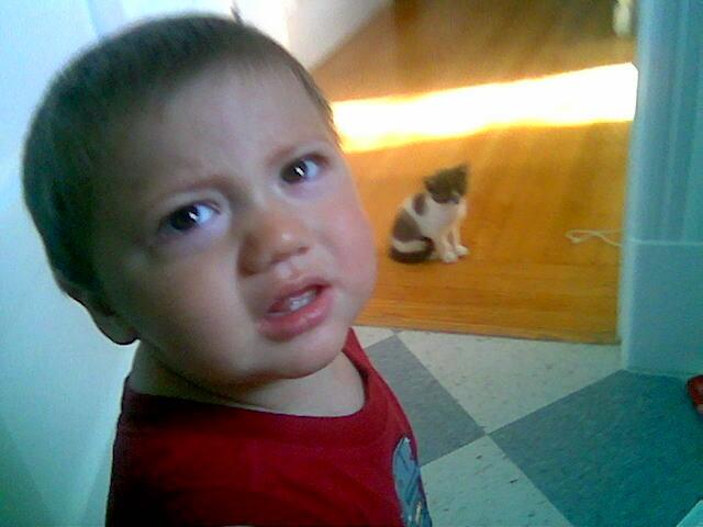 photo d'un enfant triste