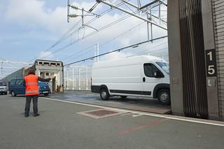 eurotunnel-vp-van-boarding-train   by freightlinksolutions