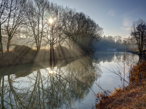 trees 2017 sunrise winter sunrays mist reflections testonbridge weir westfarleigh kent themedway river em1 1240mmf28 olympus