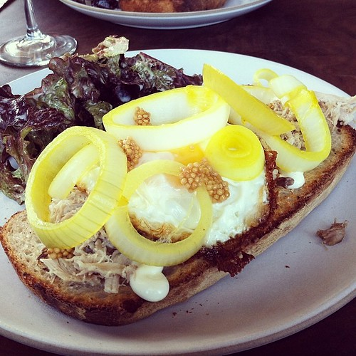 #kvpinmybelly Chicken confit sandwich with fried egg at @outerlandssf. Quite tasty! Pleasantly surprised by pickled onions #foodspotting #lunch #sandwich   by queenkv