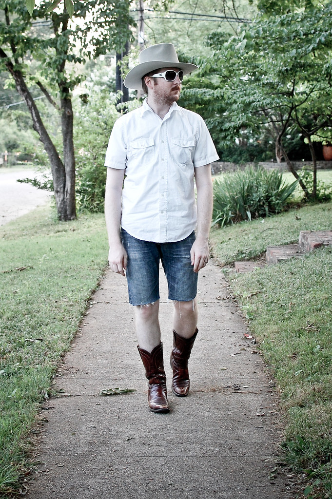 Jorts June 6th This Year S Hottest Look Bootcut Jorts Fro Flickr
